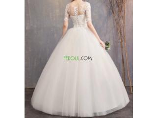 Vente d'une robe de mariée sans jupon cerceau , taille M (38)