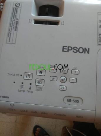 data-show-epson-big-2