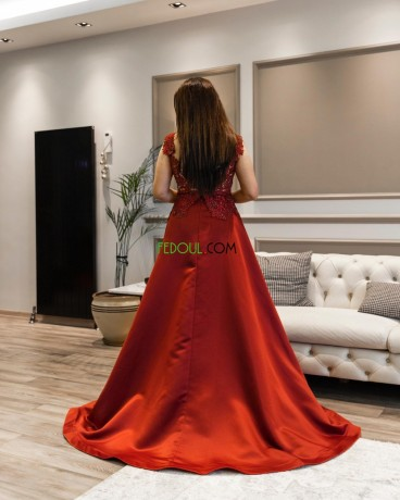 robes-dune-fabrication-syrienne-big-2