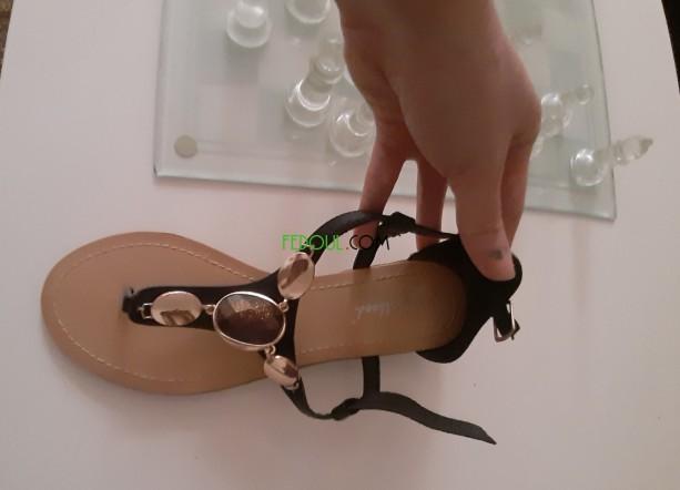 paire-de-sandales-big-0
