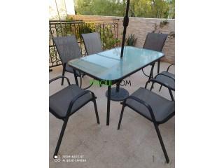 Table à terrasse de 6 places + balançoire a très bon prix