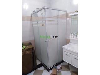 Installation vitrines et cabine de douche italienne