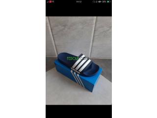 Claquettes Adidas