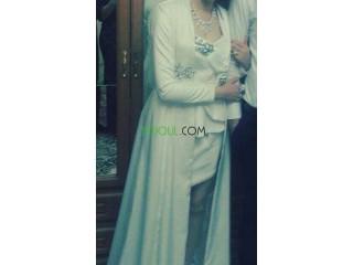 Tesdira robe blanche
