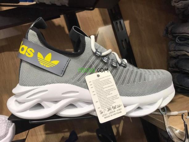 vendre-des-baskets-pour-hommes-et-femmes-big-10