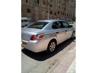 Vendre une voiture ptopre301 essense 1.2 vti
