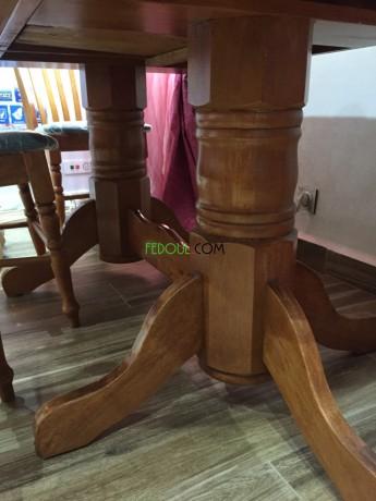salle-a-manger-table-en-bois-massif-6-chaises-en-velours-big-0