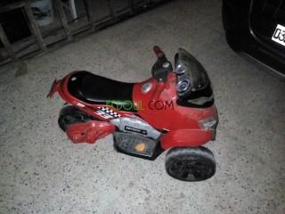 Vend moto électrique à trois roue