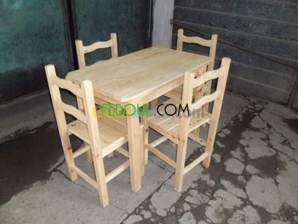 les-fenetre-les-tables-les-portes-en-bois-rouge-sur-commande-big-2