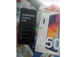 Samsung a50 avec tout accessoires