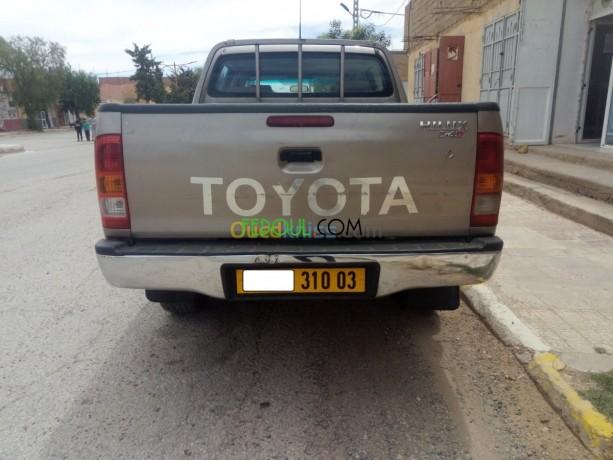 toyota-hilux-2010-big-11