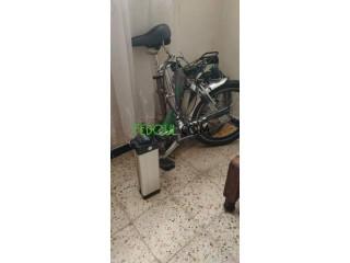 Vélo électrique pliable