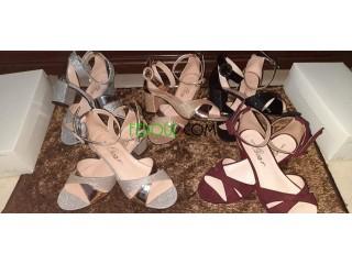 Sandales demi talons carrés