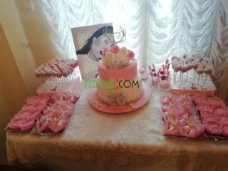 Gâteaux d'anniversaire et de mariage