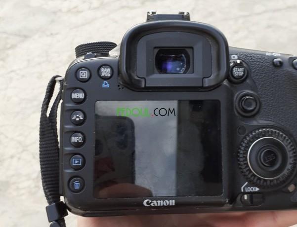 appareil-photo-numerique-canon-eos-7d-big-1
