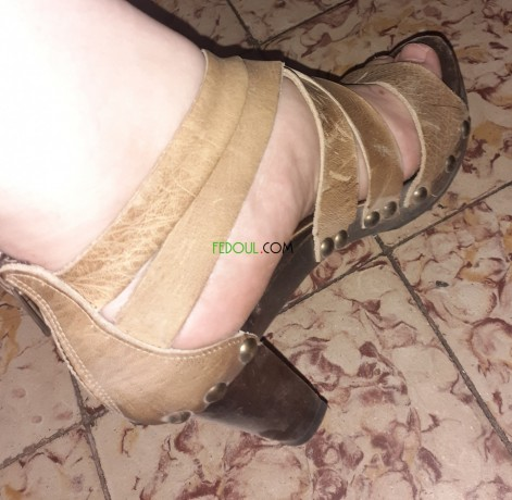 vetements-et-chaussures-neufs-peu-portes-big-0