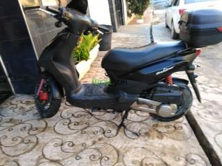 Scooter sym 2013 noire