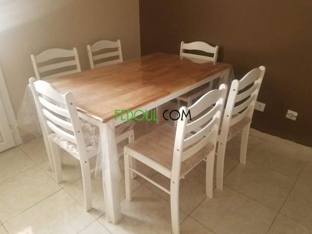 table-avec-chaises-big-2