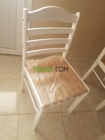 table-avec-chaises-big-1