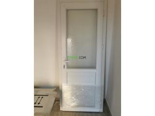 Porte PVC, très bonne état, jamais servie