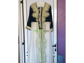 Vente tenue traditionnelle à tres bon prix