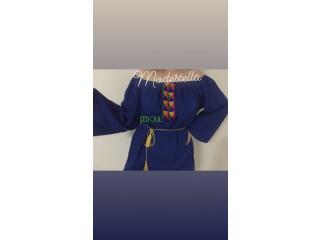 Robe yass disponible en noir , rose , bleu roi et jaune