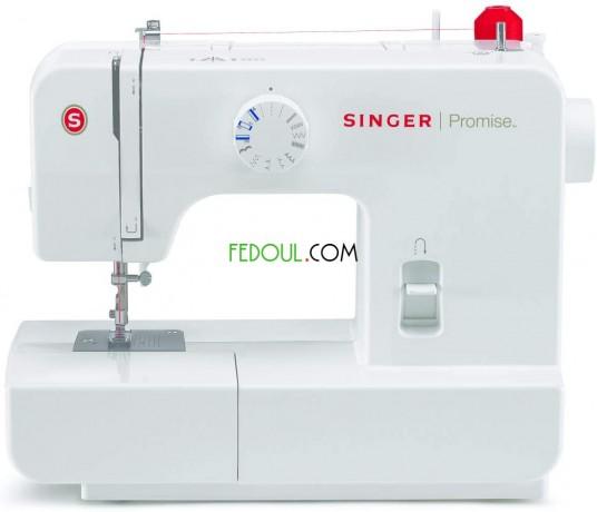 machine-a-coudre-singer-1408-15-motifs-big-0