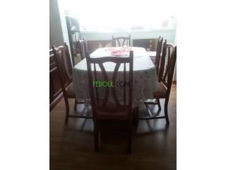 Table avec 06 chaises bois noble
