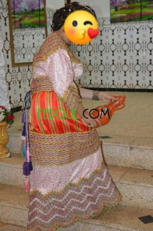 robe-kabyle-berbere-traditionnelle-big-0