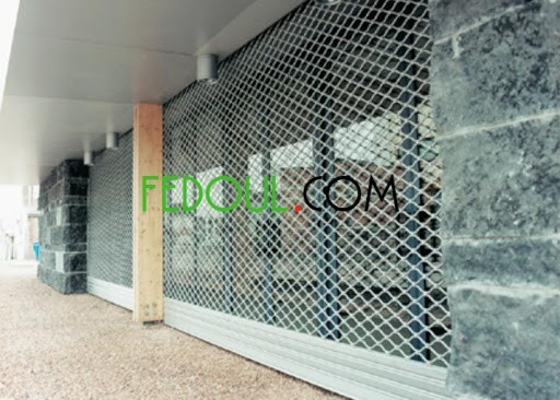 rideaux-electrique-la-maille-pour-magasin-made-in-italy-big-2