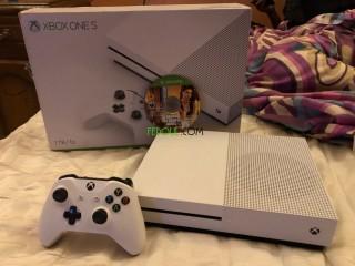 Xbox one s 1 tera + gta5 + xbox live