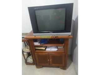 Table avec tv