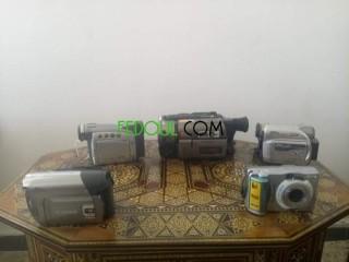 4 caméras et une appareil photo