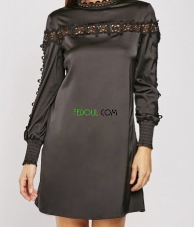 robe-en-satinette-avec-bordure-en-crochet-big-1