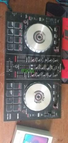 table-de-mixage-pioneer-ddj-sb2-big-0