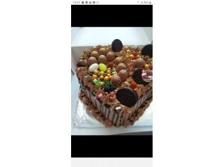 Tarte d'anniversaire et mariage et gâteau orientale