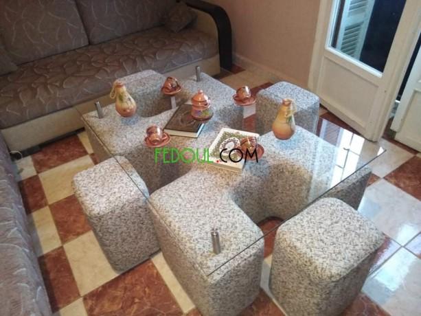 table-avec-4-pouffe-big-2
