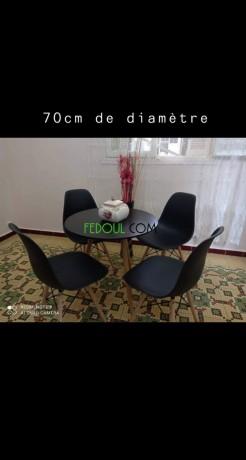 tables-et-chaises-de-tres-bonne-qualite-big-0