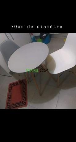 tables-et-chaises-de-tres-bonne-qualite-big-1
