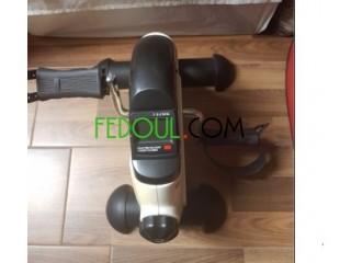 Le Mini pédal est un appareil d'exercice pour les bras et les jambes