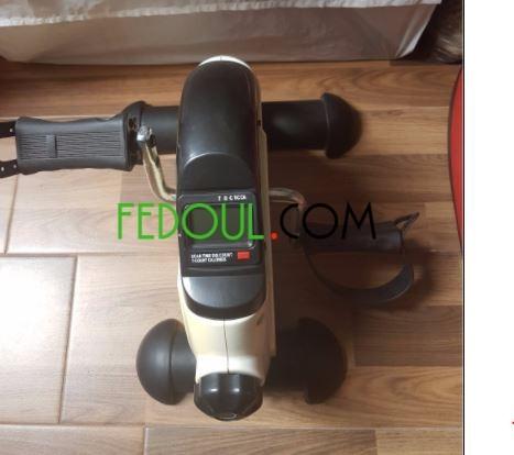 le-mini-pedal-est-un-appareil-dexercice-pour-les-bras-et-les-jambes-big-0