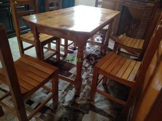 Salle à manger en bois à 6 chaises