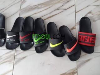 مختلف الأحذية والملابس