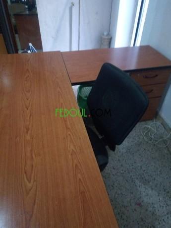 vente-bureaux-et-une-chaise-etat-tres-neuf-prix-raisonnable-big-2