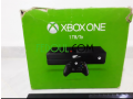 xbox-one-1-tb-2-manettes-small-4