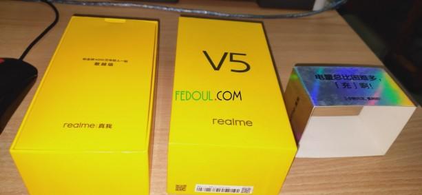 realme-v5-big-2