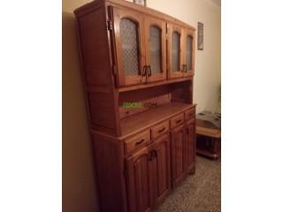 Armoire de cuisine meublée de couleur meuble jaune