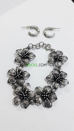 bracelets-chaines-colliers-boucles-big-0