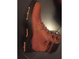 Paire de chaussure de sécurité (Bottes godasses )Eversafe steel plate
