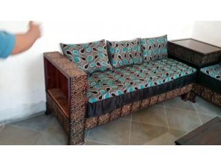 صالون مغربي مصنوع من الخشب الاحمر (bois rouge)